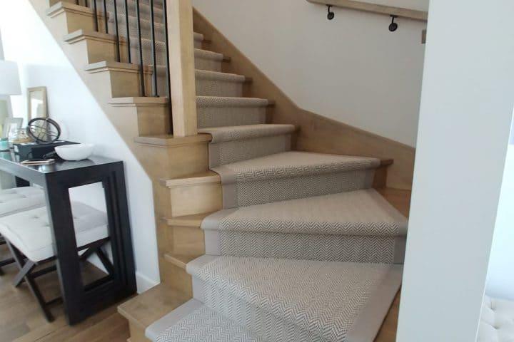 Escalier avec rampe design intérieur - Staircase interior design