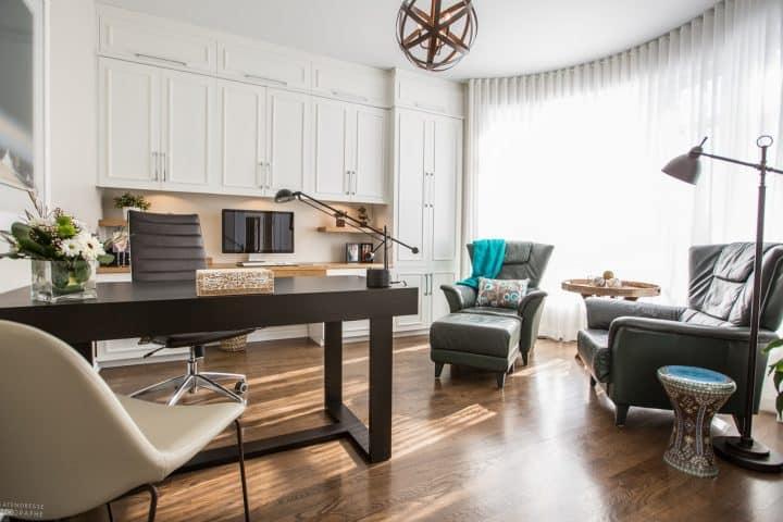 Bureau à domicile elegant et fonctionnel